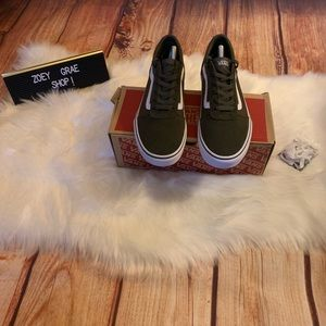 Vans sneakers Olive Green 9.5